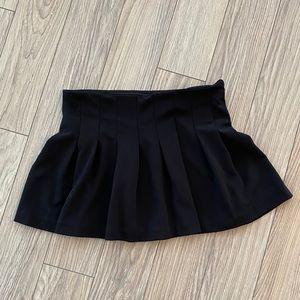 Trafuluc Zara Mini Black Pleated Skirt